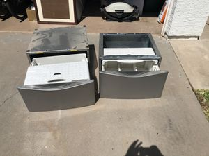 Whirlpool Duet Washer and Dryer Pedestal for Sale in Phoenix, AZ