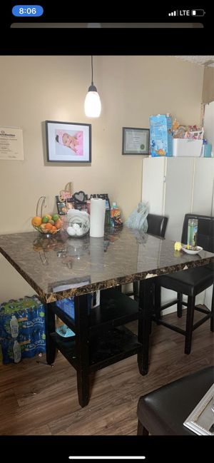 Dining table and chairs for Sale in Redondo Beach, CA