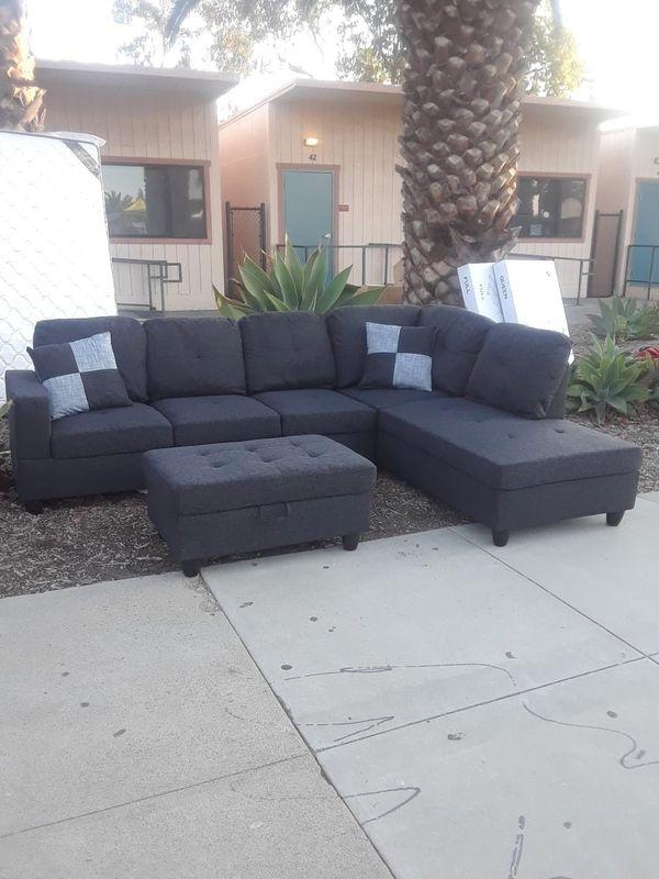Sofa seccional disponible