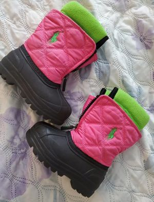 Size 4 girl snow boots for Sale in Columbus, OH