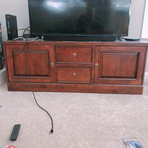 Ethan Allen TV Stand for Sale in Bellevue, WA