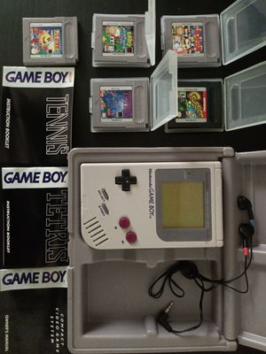 Nintendo Game Boy Original DMG-01 w/ Case, Headphones, and 5 Games! for Sale in Moyock, NC
