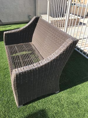 Wicker Bench Sofa / Outdoor Patio Furniture - Good Condition for Sale in Glendale, AZ