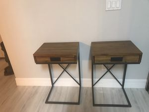 Night stand with drawer for Sale in Lehigh Acres, FL