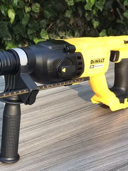DeWalt 20V MAX XR Lithium-Ion Cordless 1 in. SDS Hammer (Tool-Only) new $145 for Sale in Los Angeles,  CA