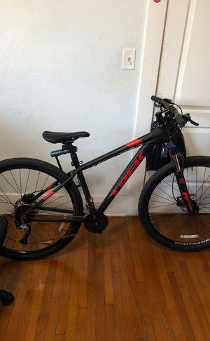 Trek marlin 7 mountain bike for Sale in Los Angeles, CA