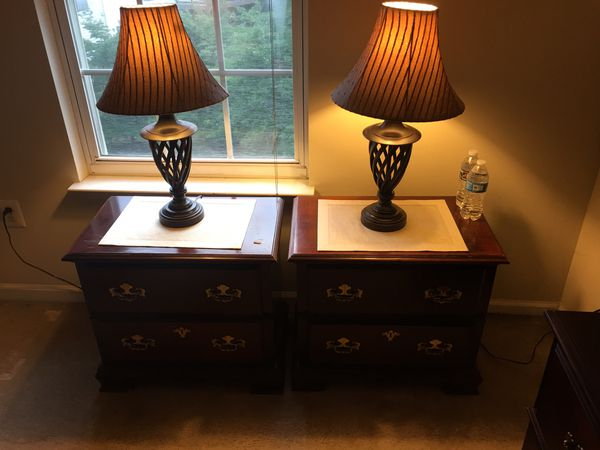 Dresser and 2 stand 2 Table lamp Need some touching paint dresser