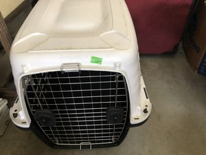 Dog kennel. 30-50 lbs for Sale in Melrose, MA
