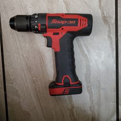 """SNAP ON 14.4 V 3/8"""" Drive Brushless Cordless Screw Gun/ Drill (Red) WITH 1 BATTERY( NO CHARGER for Sale in Los Angeles, CA"""