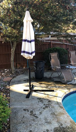 Pool umbrella with stand. for Sale in Rowlett, TX