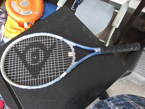 Tennis racket (Dunlop) for Sale in Carson, CA