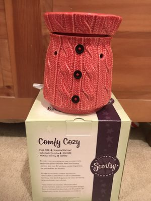 Large Sweater style scentsy warmer (brand new) for Sale in Nashville, TN