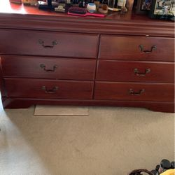 Dresser with Mia for Sale in Corona,  CA