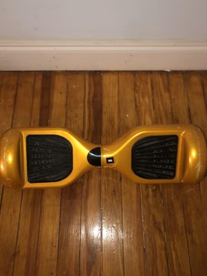 Gold Hoverboard wit no charger for Sale in Cherry Hill, NJ