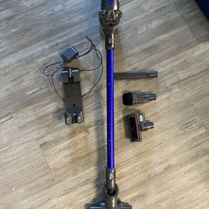 Dyson V6 for Sale in Sunnyvale, CA