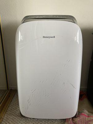 Honeywell Portable A/C Unit model: HL09CESWK for Sale in San Diego, CA