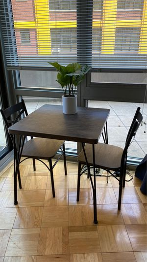 Small dining table for Sale in New York, NY