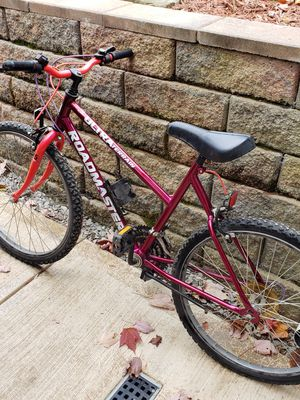 Mountain bike for Sale in Greensburg, PA