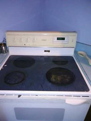 Whirlpool Stove everything great!! for Sale in Raven, VA