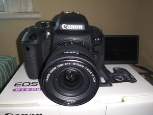 Canon EOS 800D/Rebel T7i Digital SLR Camera with 18-55 IS STM Lens + Accessories Bundle for Sale in Berlin, CT