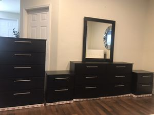 New chest mirror dresser and nightstands for Sale in Pompano Beach, FL