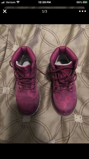 Kids size 10 Timberlan boots girl used 2times great condition for Sale in Chicago, IL