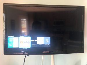 "Samsung 24"" smart TV. Like new for Sale in Montgomery Village, MD"