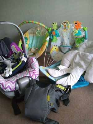 Car seat & baby bouncer for Sale in Killeen, TX