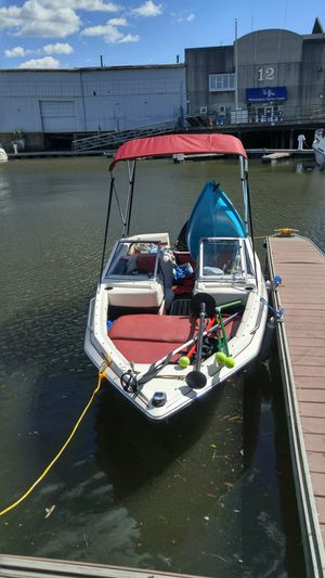 1985 Maxum speed boat - 70 HP - NEW rebuilt engine for Sale in Philadelphia, PA