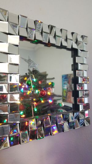 Wall mirror for Sale in Miami Gardens, FL