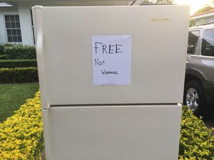 Fridge/Freezer Free for Sale in Miami, FL