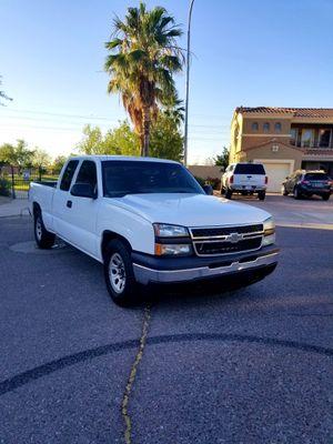 Chevy Silverado 2006 !! Clean Title !! for Sale in Phoenix, AZ