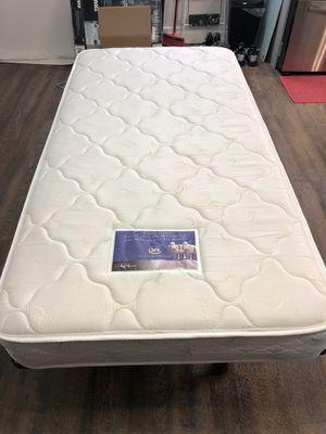 Twin mattress for Sale in Miami, FL