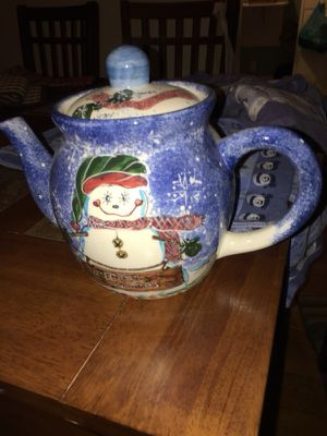 Snowman teapot and decorative towels for Sale in Pittsburgh, PA