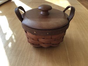 """Super cute 4"""" American work basket Longaberger- excellent condition, very clean for Sale in York, PA"""