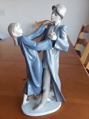 LLADRO Figurine #5459 Graduation Dance (Retired) for Sale in Anaheim, CA