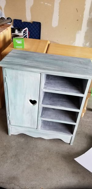 Small cabinet for Sale in Olympia, WA