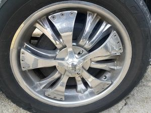20 in 6 lug spinner wheels tire size 285 50 R20 in great condition for Sale in Hillcrest Heights, MD
