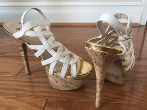 White Gold Tan Heels shoes pumps Size 8 for Sale in Corona, CA