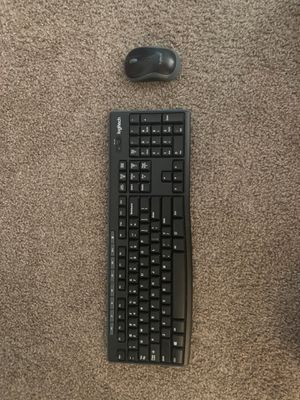 Logitech MK270 Wireless Keyboard and Mouse Combo for Sale in Saginaw, MI