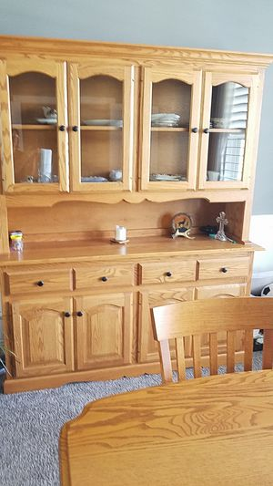 BEAUTIFUL GLASS HUTCH,COMES IN TWO SEPARATE PIECES for Sale in Avon, OH