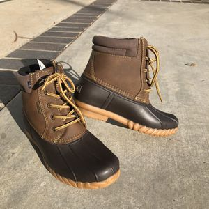 Snow boots - Kids Size 2 for Sale in Westminster, CA