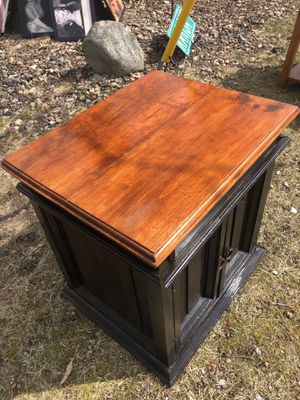 End table for Sale in Elkhart, IN