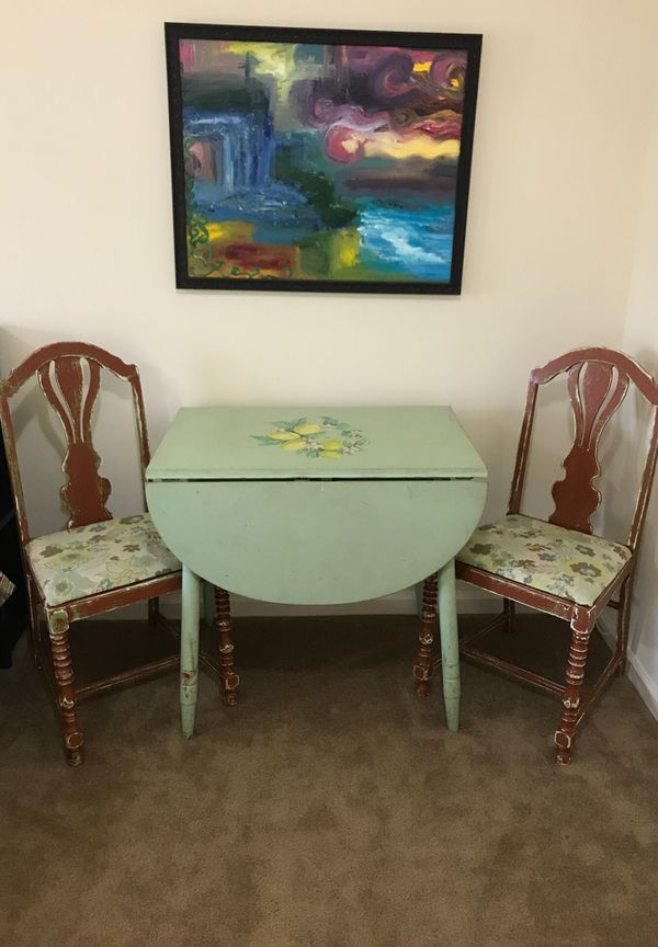 Rustic mini table with 2 chairs, hand painted