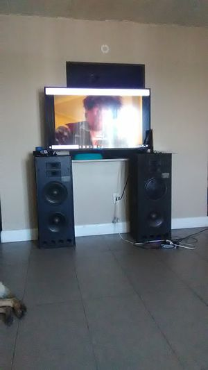 Digital pro audio speakers for Sale in Cleveland, OH
