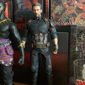 Captain America Infinity War Hot Toys for Sale in Houston, TX