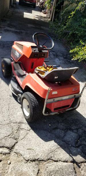 Toro 11-32 lawn tractor for Sale in Monrovia, CA