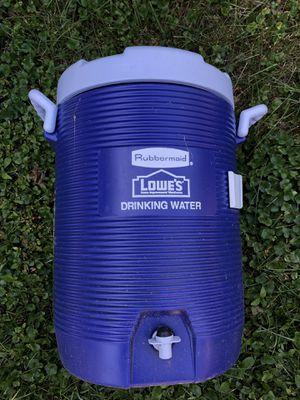 5 gallon Rubbermaid drinking water for Sale in Chesapeake, VA