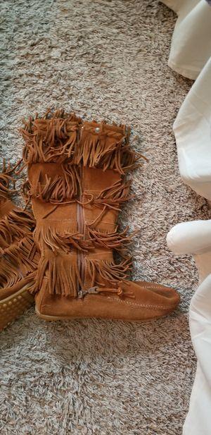 Minnetonka Fringe Suede Boots - sz 8 for Sale in Sanford, FL