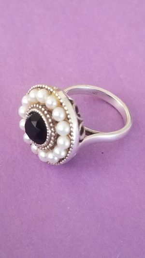 Tiffany & Co Ziegfeld Collection Pearl and black onyx ring for Sale in Garden Grove, CA